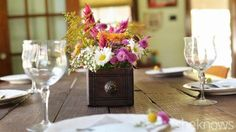 Set up this beautiful Thanksgiving table with just a few easy steps