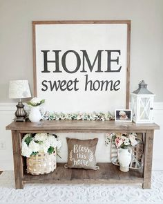 47 Incredible Farmhouse Entryway Decor Ideas To Copy Asap table decor farmhouse 47 Incredible Farmhouse Entryway Decor Ideas To Copy Asap Farmhouse Homes, Farmhouse Decor, Farmhouse Entryway Table, Farmhouse Ideas, Home Living Room, Living Room Decor, Dining Room, Shabby, Entryway Decor