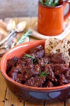 Il peposo è uno dei secondi di carne più famosi di Firenze, anzi per essere precisi, dell'Impruneta. I mattoni rossi con i quali è st...