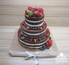 Naked wedding cake ♡