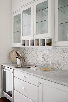 Supreme Kitchen Remodeling Choosing Your New Kitchen Countertops Ideas. Mind Blowing Kitchen Remodeling Choosing Your New Kitchen Countertops Ideas. White Kitchen Backsplash, White Kitchen Cabinets, Kitchen Tiles, Upper Cabinets, Backsplash Design, Kitchen Cupboard, Arabesque Tile Backsplash, Cupboard Ideas, Mirrored Tile Backsplash