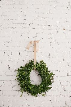 simple wreath & ribbon