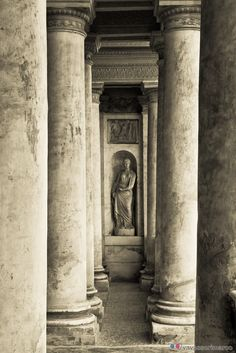 Giulio Romano, Palazzo Te, Mantua, province of Mantua Lombardy region Italy Ancient Ruins, Ancient Rome, Art And Architecture, Architecture Details, Monuments, Statues, Milan, Renaissance, Best Of Italy