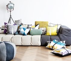 In this article we will describe decorating with pillows. A wide variety of decorating styles can be done with pillows. In our previous post we shared with you the pillow designs.