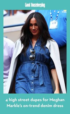 Meghan Markle made a surprise appearance at the US Open this weekend, wearing a very on-trend denim dress - and some sweet jewellery paying tribute to her gorgeous family. Denim Midi Dress, Denim Shirt Dress, Best Friends Play, Just Jared Jr, Tennis Match, Serena Williams, Grey Cardigan, Royal Fashion, Meghan Markle