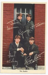 """THE BEATLES """"VINTAGE"""" COLOR POST CARD 1964"""