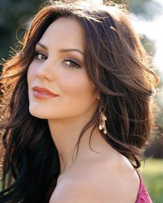 Lydia, Wyatt's girl (aka actress/singer Katherine McPhee) ~ teaches 6th grade at JMIS with Gray and Wyatt (and Allie from Clan Kitteridge series)
