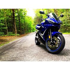 """#honda #cbr #zx6 #zx10 #kawasaki #ducati #ktm #yzf #yfz #r6 #r1 #irny #clutchpop #pistonaddictz #pistonaddicts #irnj #instamotogallery #motorcyclememes…"" @motorcycle_memes"