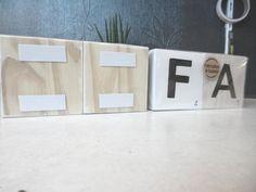 Lettre scrabble lettre en bois décoration murale style image 2 Scrabble Letters, Wooden Letters, Scotch, Silicone Glue, Smooth Walls, Scandinavian Style, Decoration, Contemporary Style, House Warming