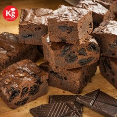#KhanaGaDi has also developed a fully automated ordering process cycle where it is very convenient for a customer to place the order through various options available. #go #foodieeee with khanagadi.com #foodforfoodies #online #food #delivery #foodintrain #mealsintrain #chocolate #browine