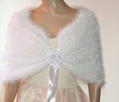 White Wedding Shawl Bridal Shawl Bridal Wedding Stole White | Etsy Crochet Wedding Dress Pattern, Crochet Wedding Dresses, Wedding Dress Patterns, Crochet Shawls And Wraps, Crochet Scarves, Knit Crochet, Winter Wedding Cape, Crochet Capas, Bridal Shrug