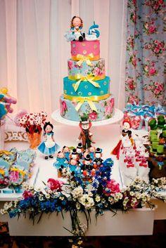 Loja Santo Antonio: A Festa dos Sonhos.. Alice no País das Maravilhas!