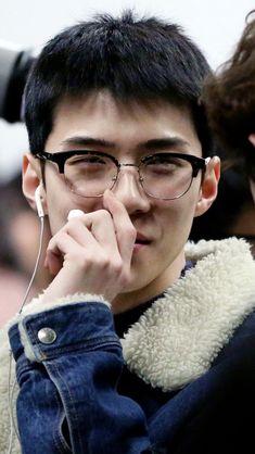 Baekhyun Chanyeol, Exo K, Kai, Luhan And Kris, Sehun Cute, Ko Ko Bop, Exo Lockscreen, Kim Minseok, Fandom
