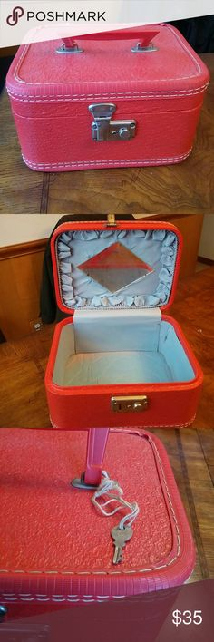 💋Vintage Travel Make Up Case Very vintage in very good condition Other