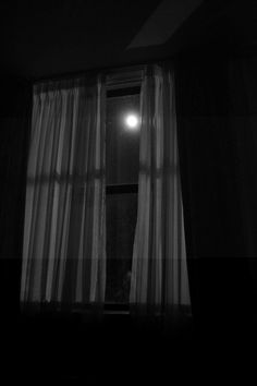open window at night Black Aesthetic Wallpaper, Aesthetic Backgrounds, Aesthetic Iphone Wallpaper, Aesthetic Wallpapers, Night Aesthetic, Aesthetic Bedroom, Save For House, Black And White Aesthetic, Survival Life