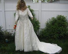 Taffeta wedding gown | Etsy Bridal Gowns, Wedding Gowns, With, Princess, Unique, Etsy, Handmade, Fashion, Bride Dresses