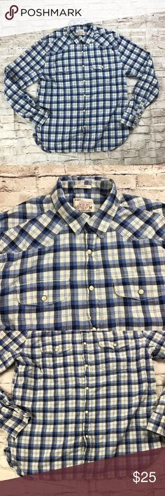 """Lucky Brand Men's Plaid long sleeve shirt Lucky Brand Men's Long sleeve plaid shirt. Pearl snap front.   Size: medium  Colors: blue and white Material: 100% cotton Approximate measurements when laying flat  Chest: 21.5"""" Length: 28"""" Sleeve length: 25"""" Lucky Brand Shirts Casual Button Down Shirts"""