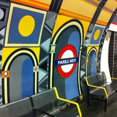 MARBLE ARCH TUBE STATION | OXFORD STREET | WESTMINSTER | LONDON | ENGLAND: *London Underground: Central Line*