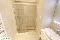 #Badezimmer mit bodenebenen Walk-In Duschen Alcove, Bathtub, Condominium, Showers, Full Bath, Projects, Homes, Standing Bath, Bathtubs