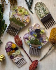 spoon + hook is a woodworking initiative started by Anneliesse Gormley of hand carved wooden wares that meet function and aesthetic. Spoon Hooks, Gifts For Nature Lovers, Room Organization, Resin Crafts, Handicraft, Hand Carved, Carving, Shapes, Epoxy