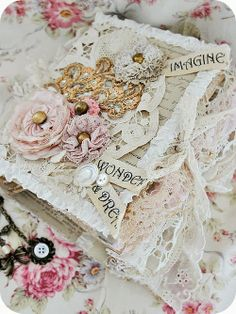 * Sleepless in NRW *: Lace Book & lighthouse