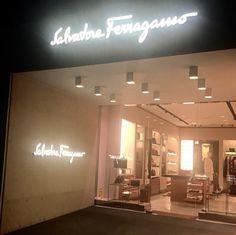 SALVATORE FERRAGAMO: Preciosa boutique que De la Torre Group realizó para Salvatore Ferragamo ... SÍMBOLO MUNDIAL DE ELEGANCIA Y GLAMOUR //// SALVATORE FERRAGAMO: Wonderful boutique that De la Torre Group made for Salvatore Ferragamo ... WORLD SYMBOL OF ELEGANCE AND GLAMOUR