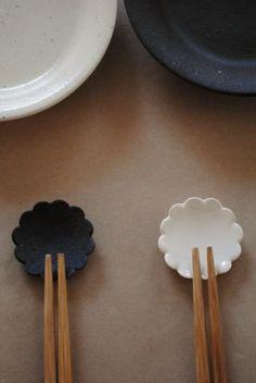 Collector & Co — chopstick rest / masuzo kato Ceramic Spoons, Ceramic Clay, Ceramic Plates, Ceramic Pottery, Chopstick Holder, Chopstick Rest, Japanese Ceramics, Japanese Pottery, Japanese Chopsticks