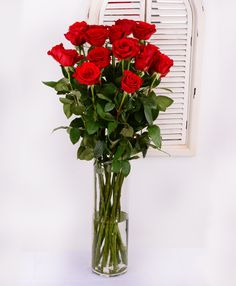 Red roses Freedom #redroses #flowersdelivery #birthdayflowers #gift #kvetyexpres #Slovakia Flower Delivery, Red Roses, Glass Vase, Freedom, Gifts, Home Decor, Liberty, Political Freedom, Presents