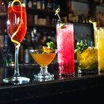 04. Juni ab 18:00 Uhr - Hotel Am Sachsengang, Schloßhofer Straße 60, 2301 Groß-Enzersdorf Cocktails, Alcoholic Drinks, Happy Hour, Gin Fizz, Healthy Snacks, Wine, Glass, Yum Yum, Clock