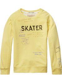Skater sweater