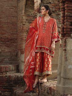 NIMR KURTI W/ IZAAR & DUPATTA – Misha Lakhani Pakistani Fashion Party Wear, Pakistani Dresses Casual, Indian Fashion Dresses, Pakistani Dress Design, Indian Designer Outfits, Casual Summer Dresses, Stylish Dresses, Casual Dresses For Women, Pakistani Bridal