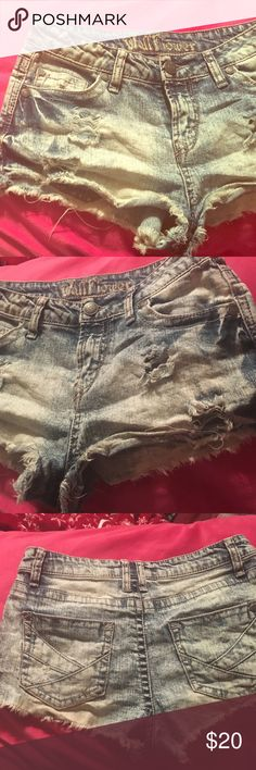 """jean """"sunflower"""" shorts. light in some color with dark spots & rips. perfect for cute summery/ spring break outfits!! sunflower Shorts Jean Shorts"""