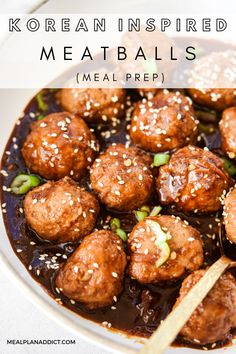 Korean Inspired Meatballs for Dinner by Meal Plan Addict. Korean Inspired Meatballs is a quick and easy meal prep recipe using bagged slaw for a quick meal prep short cut to get those veggies in! Find more Quick Dinner Recipes at www.mealplanaddict.com #mealplanaddict #dinner #quickdinner Sunday Meal Prep, Lunch Meal Prep, Meal Prep Bowls, Meal Prep For The Week, Easy Meal Prep, Healthy Meal Prep, Healthy Recipes, Quick Dinner Recipes, Quick Meals