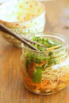 DIY Chicken and Vegetable Ramen Noodles Easy Healthy Pasta Recipes, Healthy Pasta Dishes, Healthy Pastas, Healthy Food, Vegetable Ramen, Skinny Pasta, Toast, Mason Jar Meals, Ramen Noodles