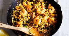 This recipe for 10-minute Moroccan prawn rice bowl delivers big flavours in no time AND it's under 500 calories, making it perfect for a mid-week meal.