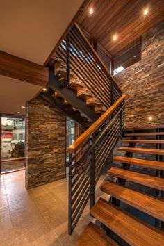 modern staircase designs to add aesthetics of your house page 8 Stair Railing Design, Home Stairs Design, Interior Stairs, Modern House Design, Home Interior Design, Rustic Staircase, Floating Staircase, Modern Stairs, House Stairs
