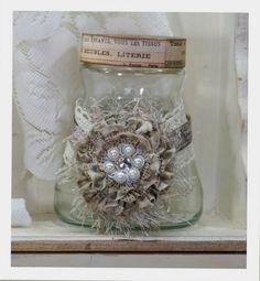 very pretty- could put some homemade goodies inside Mason Jar Crafts, Bottle Crafts, Mason Jars, Decoupage, Jar Art, Bottles And Jars, Glass Bottles, Vintage Crafts, Vintage Decor