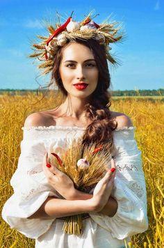 автор Arisha Prikhodko  Ukrainian beauty folk fashion