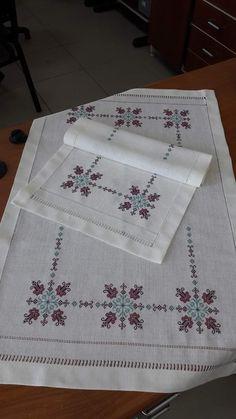 Cross Stitch Charts, Cross Stitch Embroidery, Hand Embroidery, Cross Stitch Patterns, Magnolia Design, Ethnic Bag, Diy Arts And Crafts, Yarn Needle, Quilt Blocks