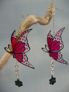 Boucles d'oreille papillons transparents rose fuchsia plastique fou breloque fleur noire