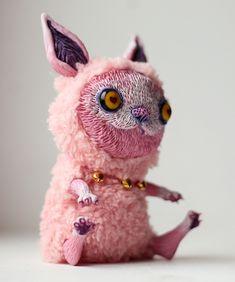 pink cat by da-bu-di-bu-da.deviantart.com