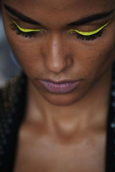 neon eyeliner