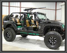 Apocalypse Jeep - This is awesome! (Not so much the apocalypse part but the Jeep is just so cool!)