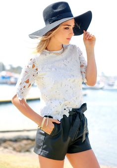 Outfits With Hats, Chic Outfits, Fashion Outfits, Fashion Ideas, Women's Fashion, Weather Wear, Warm Weather, Cute Summer Outfits, Pretty Outfits
