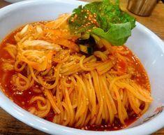 업소용 비빔국수 레시피 입니다 여름에 밥맛없을때 최고의 비빔국수이지 싶어요*비빔국수* 진간장1kg 사이... Korean Dishes, Korean Food, Easy Cooking, Cooking Recipes, K Food, Asian Recipes, Ethnic Recipes, Food Items, Food Plating