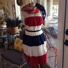Coco is wearing red white and blue bunting dress for the weekend #memorialdayweekend #savale #unfolded #anniesloanstockist #anniesloan #antiques by savaleflowersantiques