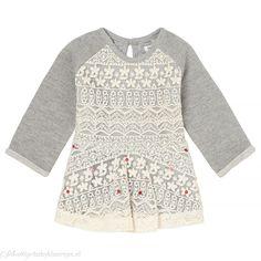Het meisjes jurkje Coweta van Noppies is gemaakt van comfortabel sweatstof maar… Bell Sleeves, Bell Sleeve Top, Lace, Sweaters, Tops, Women, Fashion, Moda, Fashion Styles
