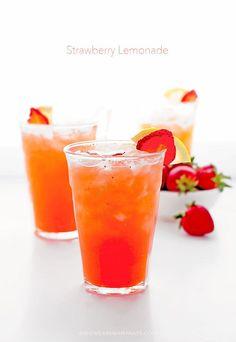 Strawberry Lemonade Recipe shewearsmanyhats.com #strawberry #lemonade