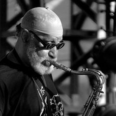 Evolution of the Saxophone with all the American Jazz Greats Allan Barnes Wardrobe provided by Henry Hatter and The New Hot Sams Jazz Artists, Jazz Musicians, Black Artists, Jazz Players, Saxophone Players, Jazz Radio, Sonny Rollins, Live Jazz, Winners And Losers