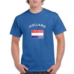 Blauwe heren shirts met vlag van Holland  Blauw t-shirt vlag Holland. Blauw heren body-fit t-shirt met bedrukking van de Hollandse vlag aan de voorzijde. Kwaliteit: 150 grams. Materiaal: 100% katoen. Het blauwe Holland shirt mag maximaal op 40 graden gewassen worden en mag niet worden gestreken in verband met de landen opdruk.  EUR 12.99  Meer informatie